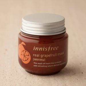 INNISFREE Real Grapefruit Mask Złuszczająco-wygładzająca maseczka do twarzy